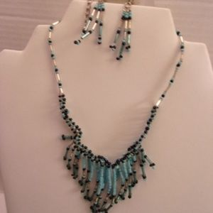 Nwts unique Tamina necklace & earrings. M72-5